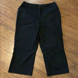 Worthington stretch size 16 black capris